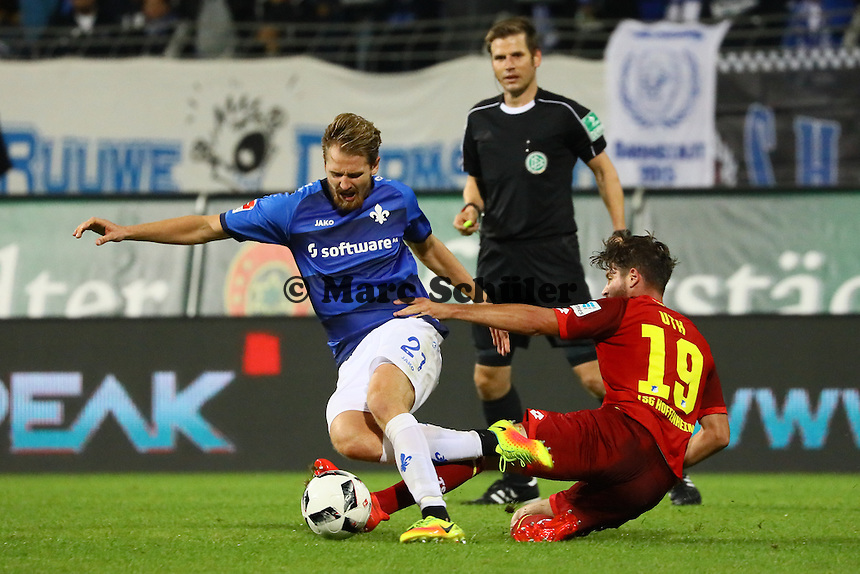 Immanuel Höhn (SV Darmstadt 98) gegen Mark-Alexander Uth (TSG 1899 Hoffenheim) - SV Darmstadt 98 vs. TSG 1899 Hoffenheim, Johnny Heimes Stadion am Boellenfalltor