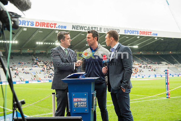 Picture by Allan McKenzie/SWpix.com - 20/05/2017 - Rugby League - Dacia Magic Weekend - St James' Park, Newcastle, England - The brief, Betfred, Facebook, Live, Paul Sculthorpe, Kevin Sinfield.