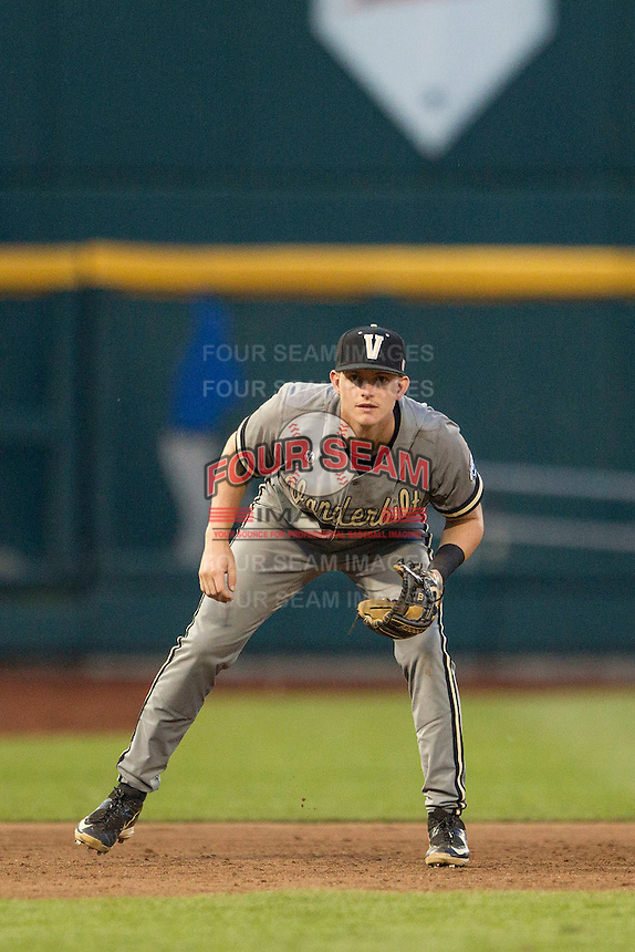 Vanderbilt Commodores third baseman Will Toffey (10) on defense during the NCAA College baseball World Series against the TCU Horned Frogs on June 16, 2015 at TD Ameritrade Park in Omaha, Nebraska. Vanderbilt defeated TCU 1-0. (Andrew Woolley/Four Seam Images)