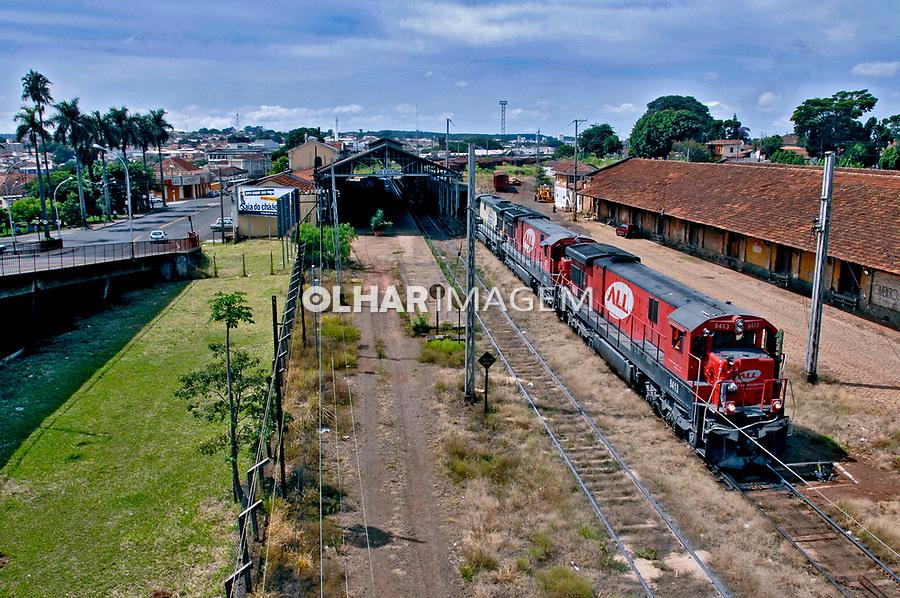 Transporte ferroviário na cidade de São Carlos. São Paulo. 2008. Foto de Juca Martins.