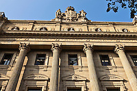Europe/Espagne/Guipuscoa/Pays Basque/Saint-Sébastien: Place de Guipuzcoa - l'édifice du Conseil général - Diputación Foral <br /> Les bâtiments remarquables de la Diputación Foral de Gipuzkoa -inspiré par l'Opéra de Paris