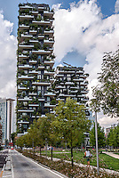 Milano, quartiere Isola Porta Nuova. Bosco Verticale --- Milan, Isola Porta Nuova district. Skyscraper Bosco Verticale