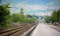 peloton approaching<br /> <br /> 2014 Giro d'Italia <br /> stage 17: Sarnonico - Vittori Veneto (208km)