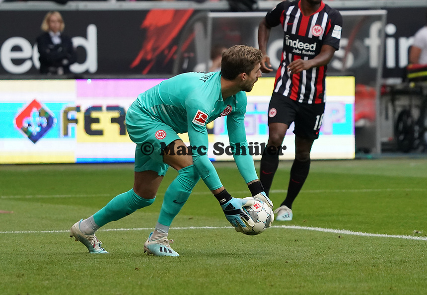 Torwart Kevin Trapp (Eintracht Frankfurt) - 22.09.2019: Eintracht Frankfurt vs. Borussia Dortmund, Commerzbank Arena, 5. Spieltag<br /> DISCLAIMER: DFL regulations prohibit any use of photographs as image sequences and/or quasi-video.