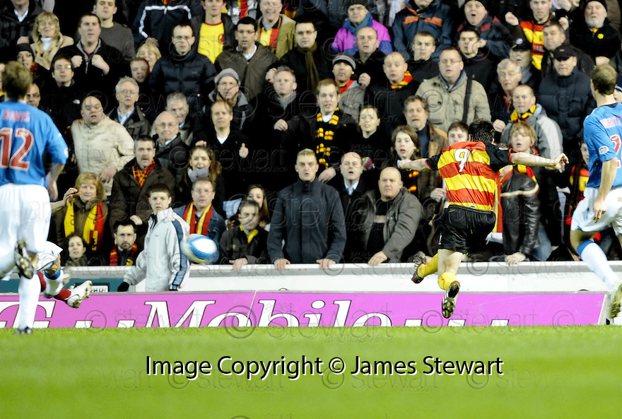 19/03/2008    Copyright Pic: James Stewart.File Name : sct_jspa06_rangers v partick.DAMON GRAY SCORES PARTICK'S GOAL.James Stewart Photo Agency 19 Carronlea Drive, Falkirk. FK2 8DN      Vat Reg No. 607 6932 25.Studio      : +44 (0)1324 611191 .Mobile      : +44 (0)7721 416997.E-mail  :  jim@jspa.co.uk.If you require further information then contact Jim Stewart on any of the numbers above........