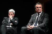 Nichi Vendola e Fabio Granata.Roma 11/02/2013 Piccolo Eliseo. Le donne incontrano la politica, organizzato dal movimento 'Se non ora quando'..Photo Samantha Zucchi Insidefoto