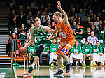 S&ouml;dert&auml;lje 2015-10-20 Basket Basketligan S&ouml;dert&auml;lje Kings - Bor&aring;s Basket :  <br /> S&ouml;dert&auml;lje Kings Nicholas Nick Spires i kamp om bollen med Bor&aring;s Bor&aring;s Mike Palm under matchen mellan S&ouml;dert&auml;lje Kings och Bor&aring;s Basket <br /> (Foto: Kenta J&ouml;nsson) Nyckelord:  S&ouml;dert&auml;lje Kings SBBK T&auml;ljehallen Bor&aring;s Basket