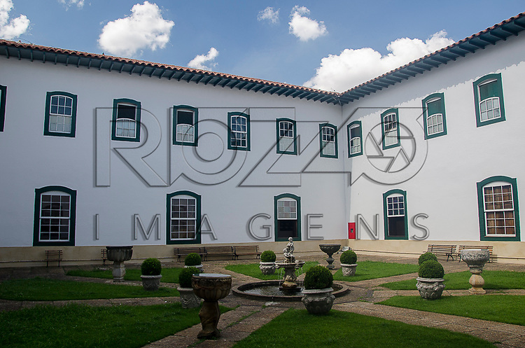 Pátio interno do Museu de Arte Sacra de São Paulo, São Paulo - SP, 02/2013.