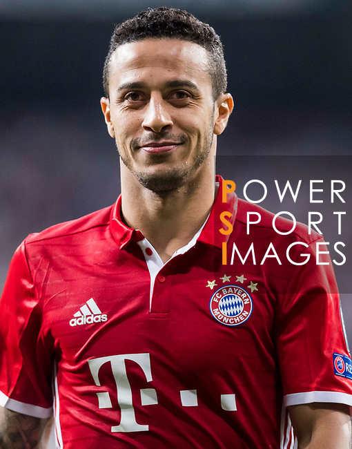 Thiago of FC Bayern Munich reacts during their 2016-17 UEFA Champions League Quarter-finals second leg match between Real Madrid and FC Bayern Munich at the Estadio Santiago Bernabeu on 18 April 2017 in Madrid, Spain. Photo by Diego Gonzalez Souto / Power Sport Images