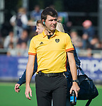 AMSTELVEEN  - scheidsrechter Bart Vriens,  , hoofdklasse hockeywedstrijd dames Pinole-Laren (1-3). COPYRIGHT  KOEN SUYK