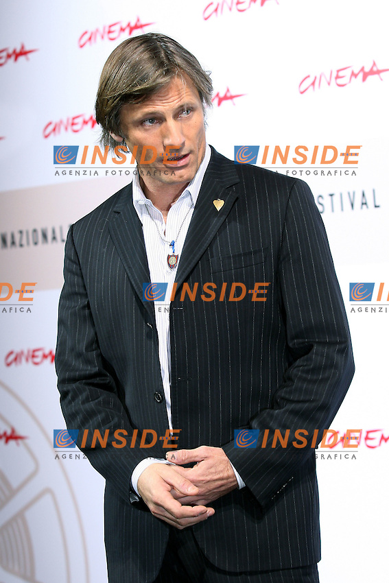 Viggo Mortensen<br /> <br /> Third edition of the Rome International film festival<br /> <br /> Roma 25/10/2008 <br /> <br /> Photo Call  'Appaloosa&quot;<br /> <br /> Photo Antonietta Baldassarre Insidefoto