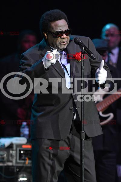 HOLLYWOOD FL - JULY 2 : Al Green performs at Hard Rock Live held at the Seminole Hard Rock Hotel & Casino on July 2, 2012 in Hollywood, Florida. ©mpi04/MediaPunch Inc /*NORTEPHOTO.COM*<br /> *SOLO*VENTA*EN*MEXiCO* *CREDITO*OBLIGATORIO** *No*Venta*A*Terceros* *No*Sale*So*third* ***No Se*Permite*Hacer*Archivo** *No*Sale*So*third