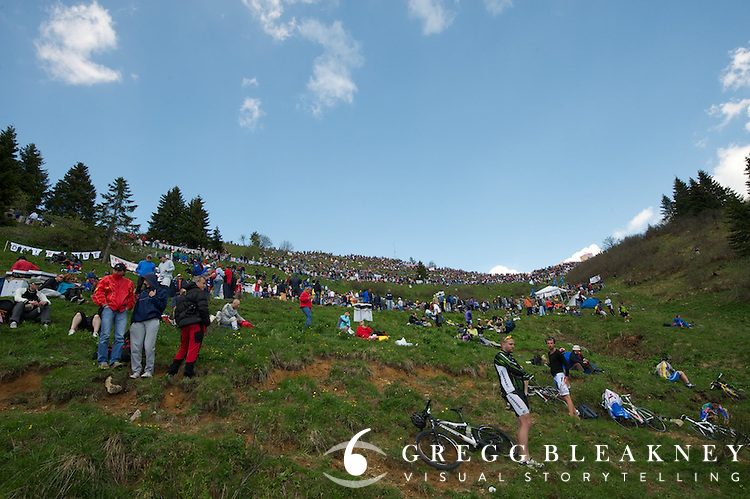 Looking up at the Zoncolan's summit bowl finish at 450 meters from the finish.