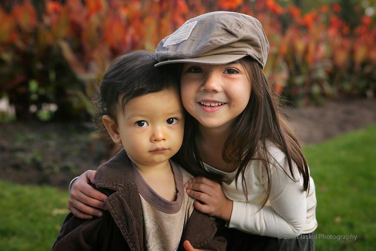 Victoria's children.  (ELLEN JASKOL/ROCKY MOUNTAIN NEWS).***