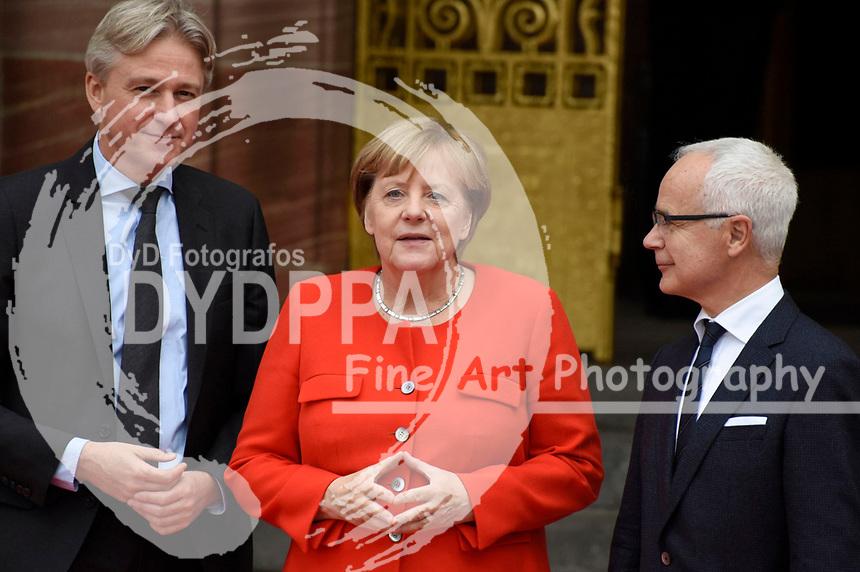 Juergen Boos, Angela Merkel und Heinrich Riethmüller bei der Eröffnung der Frankfurter Buchmesse 2017 auf Messe Frankfurt. Frankfurt, 10.10.2017