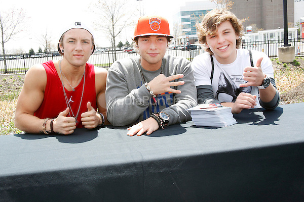 Emblem3 concert and meet and greet pa mediapunch philadelphia pa april 13 emblem3 concert and meet and greet at xfinity live m4hsunfo