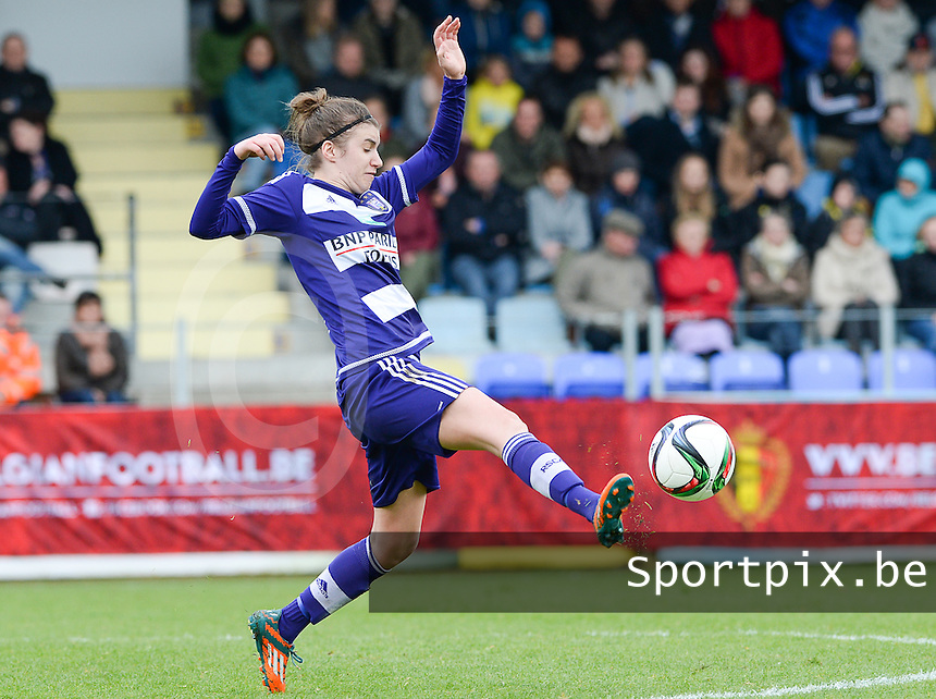 20160417 - WESTERLO , BELGIUM : Anderlecht's Justine Blave pictured during the final of Belgian cup 2016 , a soccer women game between SK Lierse Dames and RSC Anderlecht  , in stadion Het Kuipje Westerlo , sunday 17 th April 2016 . PHOTO SPORTPIX.BE / DAVID CATRY
