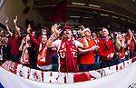 S&ouml;dert&auml;lje 2014-04-22 Basket SM-Semifinal 7 S&ouml;dert&auml;lje Kings - Uppsala Basket :  <br /> Uppsala Basket supporter p&aring; plats i T&auml;ljehallen<br /> (Foto: Kenta J&ouml;nsson) Nyckelord:  S&ouml;dert&auml;lje Kings SBBK Uppsala Basket SM Semifinal Semi T&auml;ljehallen supporter fans publik supporters