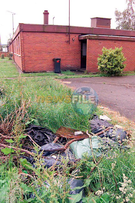 Rubbish near the houses in St. Finian's Park..Picture: Paul Mohan/Newsfile