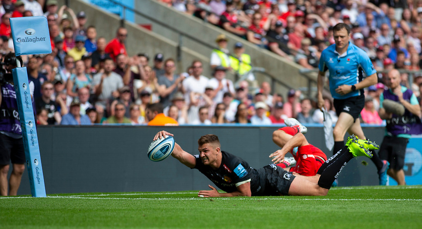 Exeter Chiefs' Henry Slade scores his sides fourth try<br /> <br /> Photographer Bob Bradford/CameraSport<br /> <br /> Gallagher Premiership Final - Exeter Chiefs v Saracens - Saturday 1st June  2018 - Twickenham Stadium - London<br /> <br /> World Copyright © 2019 CameraSport. All rights reserved. 43 Linden Ave. Countesthorpe. Leicester. England. LE8 5PG - Tel: +44 (0) 116 277 4147 - admin@camerasport.com - www.camerasport.com