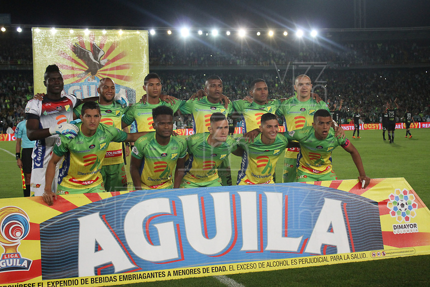 BOGOTÁ - COLOMBIA, 29-05-2018:Formación del  Atlético Huila  durante el encuentro  contra  el Atlético Nacional ,  partido por la primera semifinal ida de la Liga Águila I 2018 jugado en el estadio Nemesio Camacho El Campín de la ciudad de Bogotá. / Team of  Atletico Huia    during match agaisnt of  Atletico Nacional   , during the firts  match semifinal for the Liga Aguila I 2018 played at the Nemesio Camacho El Campin Stadium in Bogota city. Photo: VizzorImage / Felipe Caicedo / Staff