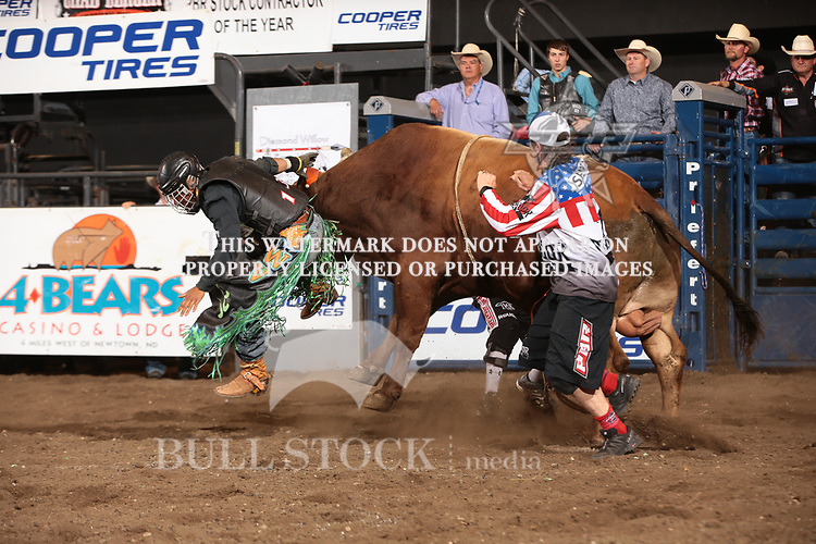 Wallace Vieira de Oliveira rides Dakota Rodeo/Chad Berger/Clay Struve/Ken Barnhard's Pile Driver for 82 during the first round of the Bismarck Real Time Pain Relief Velocity tour PBR. Photo by Andy Watson