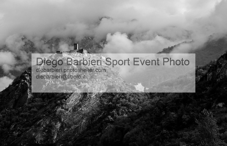 Aprile 2014, Valle d'Aosta - Castello di Saint Germain Le foto degli album B&W sono disponibili come stampe. Per preventivi mail a diebarbieri@libero.it