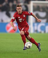 FUSSBALL CHAMPIONS LEAGUE  SAISON 2015/2016 ACHTELFINAL HINSPIEL Juventus Turin - FC Bayern Muenchen             23.02.2016 Joshua Kimmich (FC Bayern Muenchen) am Ball
