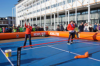 Februari 06, 2015, Apeldoorn, Omnisport, Fed Cup, Netherlands-Slovakia, Draw, Cityhall, streettennis with  Paul Haathuis<br /> Photo: Tennisimages/Henk Koster