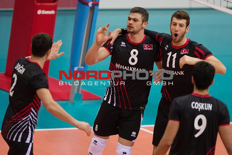 05.01.2014, MHP Arena, Ludwigsburg<br /> Volleyball, Qualifikation WM 2014, Deutschland vs. T&uuml;rkei / Tuerkei<br /> <br /> Jubel Turgay Dogan (#2 TUR), Burutay Subasi (#8 TUR), Mustafa Koc (#11 TUR), Serhat Coskun (#9 TUR)<br /> <br />   Foto &copy; nordphoto / Kurth
