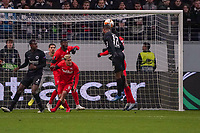 Kopfballchance Almamy Touré (Eintracht Frankfurt) - 20.02.2020: Eintracht Frankfurt vs. RB Salzburg, UEFA Europa League, Hinspiel Round of 32, Commerzbank Arena DISCLAIMER: DFL regulations prohibit any use of photographs as image sequences and/or quasi-video.