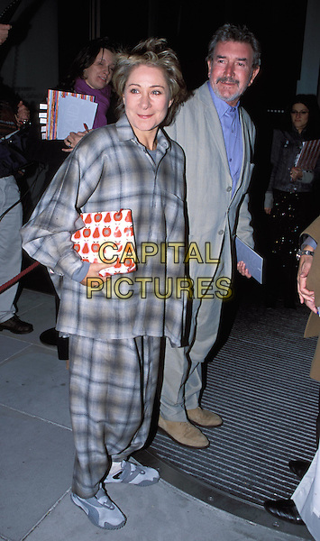 ZOE WANAMAKER - ZOE WANNAMAKER.pyjamas, pj's, fashion disaster.Attends Artaid private view .sales@capitalpictures.com.www.capitalpictures.com.©Capital Pictures