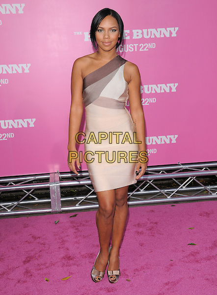 "KIELY WILLIAMS .The Columbia Pictures' Premiere of ""House Bunny"" held at The Mann Village Theatre in Westwood, California, USA..August 20th, 2008.full length one shoulder dress beige brown purple .CAP/DVS.©Debbie VanStory/Capital Pictures."