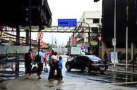 RIO DE JANEIRO, RJ, 23.12.2014 - SAÍDA FERIADO - RODOVIARIA - NOVO RIO -Movimentação de passageiros no terminal Rodoviário Novo Rio no Rio de Janeiro, RJ, nesta terça-feira (23). Segundo a estimativa da rodoviária, quase 365 mil passageiros deverão movimentar o local neste natal. (Foto: Jorge Hely / Brazil Photo Press).