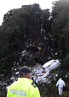 LA UNION -COLOMBIA-29-11-2016. Aspecto del sitio de la tragedia del avión de la compañia Lamia Corporation de Bolivia que transportaba al equipo Chapecoense de Brasil y el cual perdieron la vida 76 personas y 6 sorevivientes. El siniestro ocurrió en el cerro El Gordo, municipio de La Unión Antioquia  / Aspect of the site of the tragedy of the airplane of the company Lamia Corporation of Bolivia that transported Chapecoense team. 76 people lost and 6 survivors. The airplane crash happened at El Gordo mountain in La Union, Antioquia. Photo: VizzorImage/ Policia Antioquia<br /> NOTA: THE IMAGE WAS PROVIDED BY ANTIOQUIA POLICE  PRESS SERVICE. NO SALES, NO MARKETING,  COMPULSORY CREDIT<br /> MÁXIMA RESOLUCIÓN POSIBLE