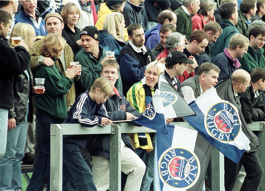 Photo. Richard Lane.. Bath v Bedford. 2/10/98. Bath fans celebrate another try.