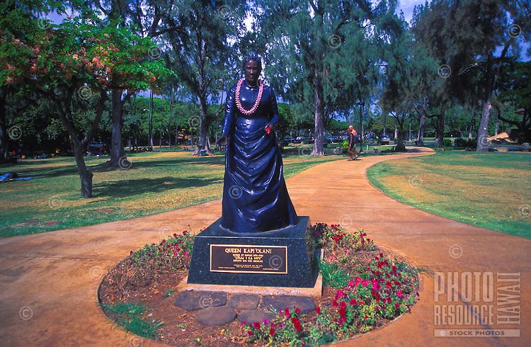 Statue of Queen Kapiolani at Kapiolani Park