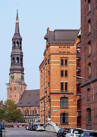 Katharinenkirche und Speicherstadt, Hamburg, Deutschland, Europa, UNESCO-Weltkulturerbe<br /> Church St. Catherine and Speicherstadt, Hamburg, Germany, Europe, UNESCO world heritage