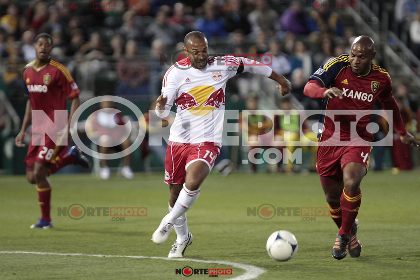 Thierry Daniel Henry (born 17 August 1977) is a French footballer who plays as a striker for New York Red Bulls in Major League Soccer.<br /> <br /> Thierry Daniel durante un juego de exibicion en Tucson Arizona.<br /> <br /> Thierry Henry, Redbull