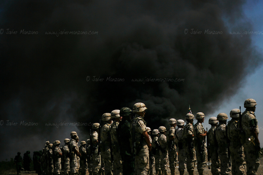 Juarez, Mexico. 05/14/2010..The Mexican military burnt more than 2,000 kilos of marihuana and 152 kilos of cocaine among other drugs on the premises of the 20th regiment of the motorized cavalry, in the outskirts of Ciudad Juarez. ..©Javier Manzano