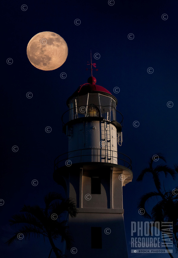 A super moon over Diamond Head Lighthouse on August 10, 2014, Honolulu, O'ahu.
