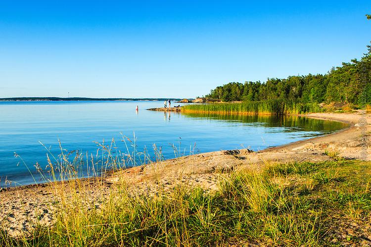 Badplats med sandstrand på Utö  Stockholms skärgård