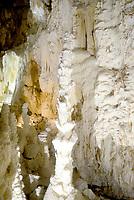 Genga, Ancona, 16 Agosto 2018<br /> Grotte di Frasassi <br /> Grotte carsiche sotterranee che si trovano nel territorio del comune di Genga, in provincia di Ancona. Il complesso delle grotte ricade all'interno del Parco naturale regionale della Gola della Rossa e di Frasassi.