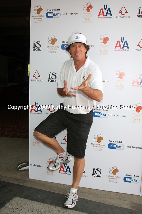 Kevin Sorbo arriving at the National Kidney Foundation Celebrity Golf Classic  at the Lakeside Lakeside Golf Club in Burbank, CA onMay 4, 2009.©2009 Kathy Hutchins / Hutchins Photo....                .