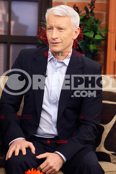 Anderson Cooper photographed on CBS 3's noon &quot;Talk Philly&quot; show in Philadelphia, Pa on October 28, 2011  &copy; Star Shooter / MediaPunchInc /*NORTEPHOTO.COM*<br />