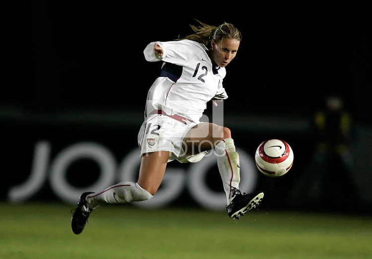 Leslie Osborne traps the ball at the VRS Antonio Stadium in VRS Antonio, March 12, 2007, during the Algarve Women´s Cup soccer match between USA and Sweden. USA won 3-2.