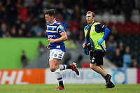 Freddie Burns of Bath Rugby leaves the field for a head injury assessment. Gallagher Premiership match, between Leicester Tigers and Bath Rugby on May 18, 2019 at Welford Road in Leicester, England. Photo by: Patrick Khachfe / Onside Images