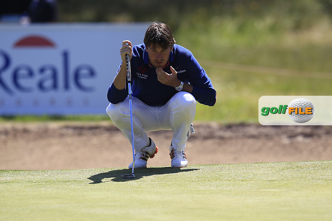 Robert-Jan Derksen (NED) lines up his putt on the 15th green during Saturday's Round 3 of the 2013 Open de Espana at Campo de Golf Parador de El Saler. 20th Aprill 2013..Picture: Eoin Clarke www.golffile.ie.