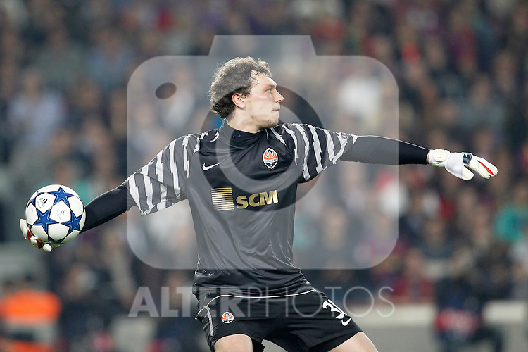 FC Shakhtar Donetsk's Andriy Pyatov during Champions League match on April, 6th 2011...Photo: Acero / Cebolla / ALFAQUI