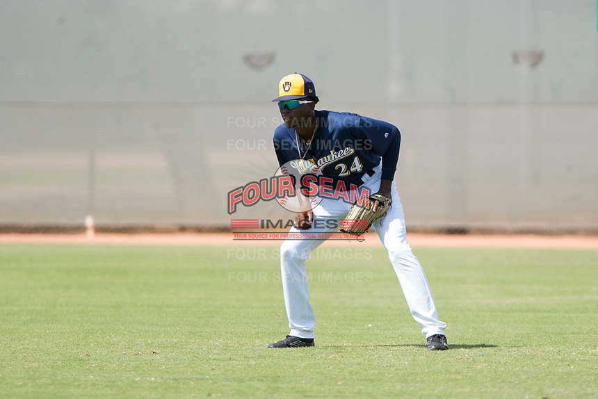 Milwaukee Brewers right fielder Larry Ernesto (24) during an Instructional League game against the Los Angeles Dodgers at Maryvale Baseball Park on September 24, 2018 in Phoenix, Arizona. (Zachary Lucy/Four Seam Images)